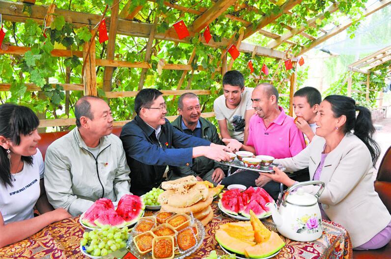 情暖中秋 共享團圓—新疆各族幹部群眾歡度佳節